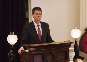 House Speaker Shap Smith addresses lawmakers on the opening day of the 2016 legislative session. Photo by Roger Crowley/VTDigger